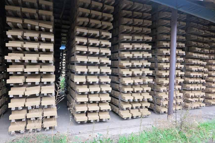Lehmsteine – ungebrannte Ziegelsteine Preis: 0,15 EUR/Stck.